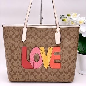 Coach City Tote Signature Canvas With Love Print
